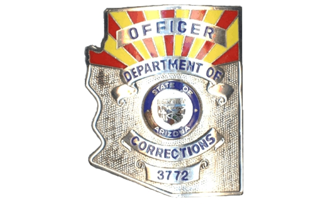 Exceptionnel Pre 2007 Officer Badge